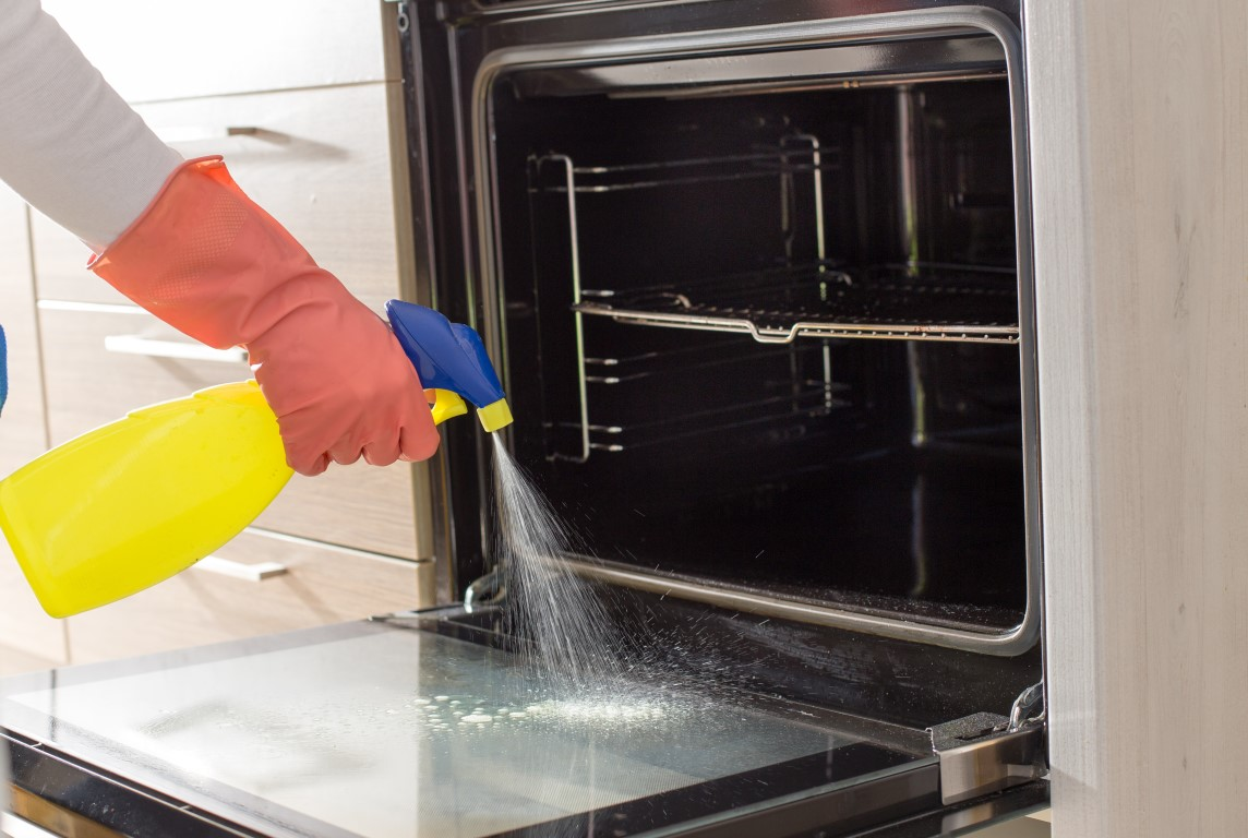 High Quality Oven Cleaning in Grays